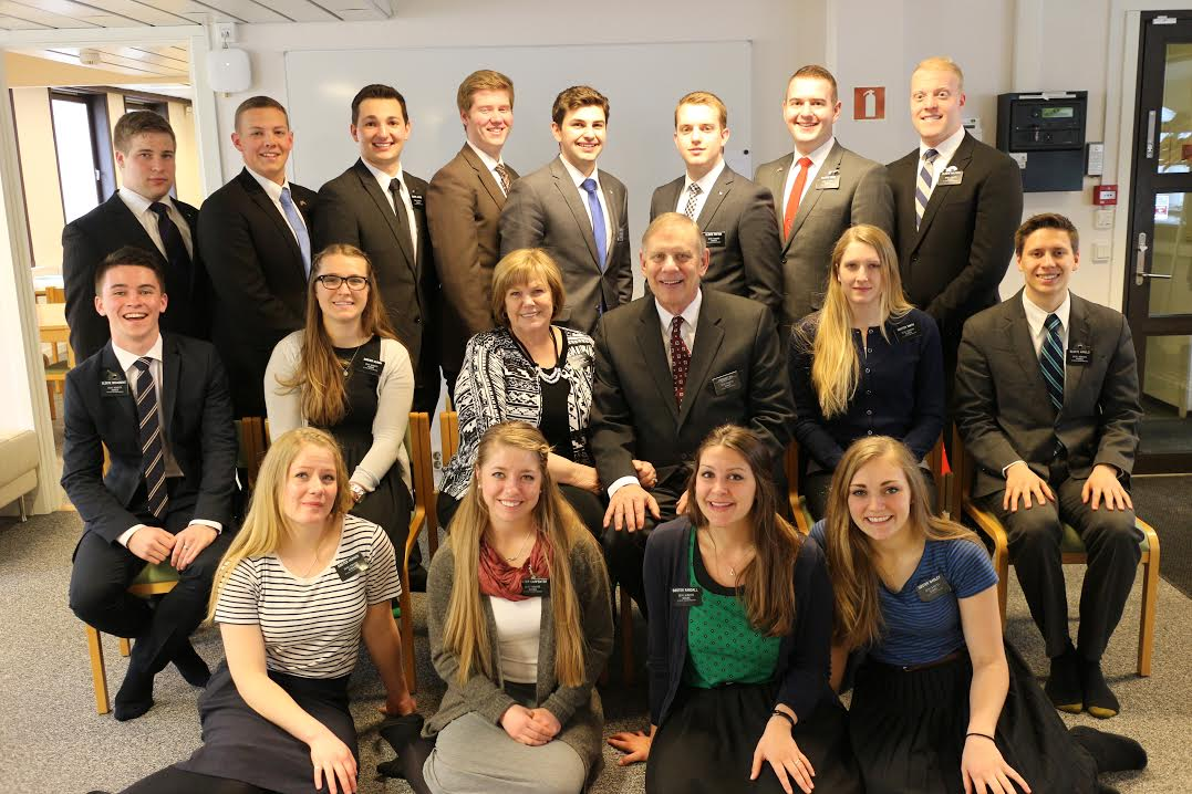 We help our MLC in Oslo on Friday! What a great group of missionaries! We welcomed several new Elders...Elder Brink, Elder Potter and Elder Kemp...also Sister Smith and Sister Wadley.